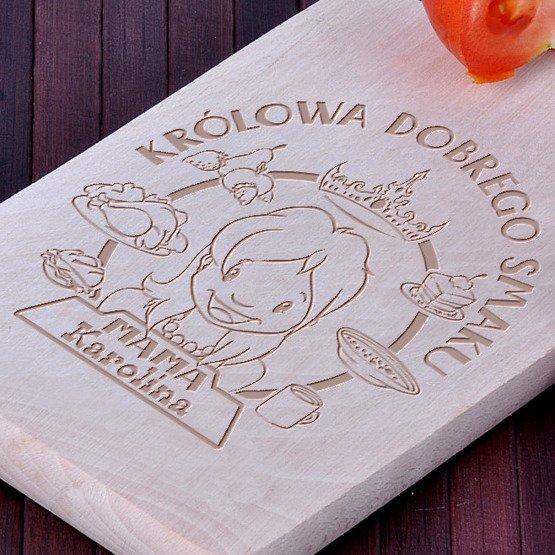 """Deska drewniana """"Mama- Królowa dobrego smaku"""""""
