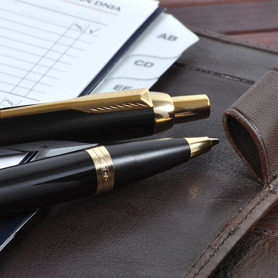 Długopis Parker IM w eleganckim, drewnianym pudełku