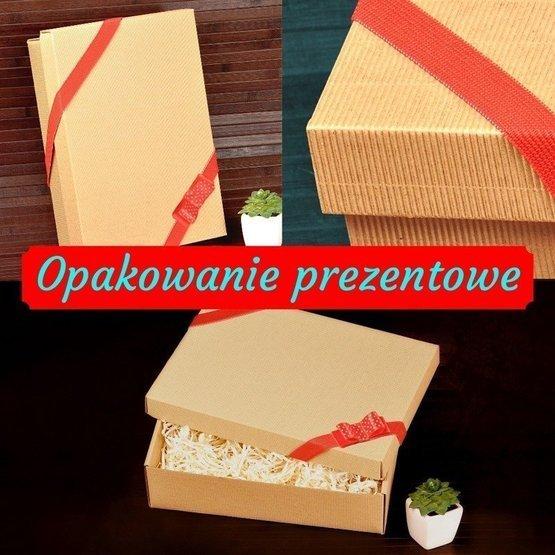 Drewniane pudełko z krówkami i herbatą Lipton - Dużo szczęścia