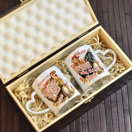 """Dwa kubki w pudełku z grawerunkiem """"Kura i Kogut"""""""