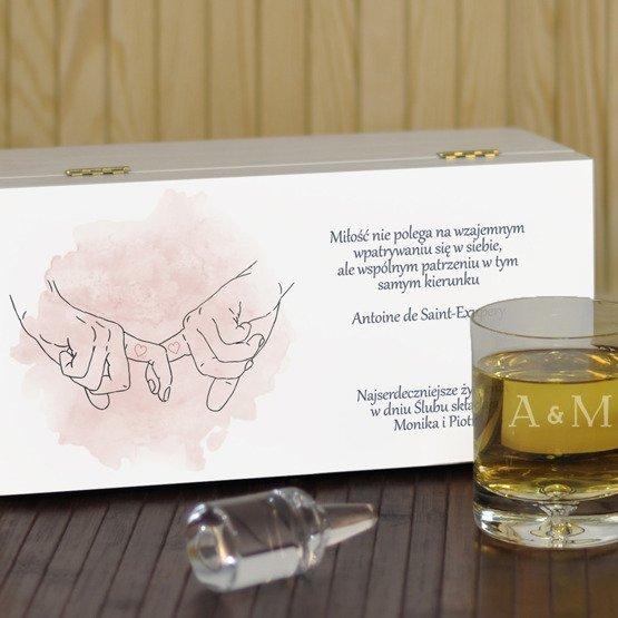 """Dwie szklanki w pudełku z nadrukiem- """"Splecione ręce"""""""