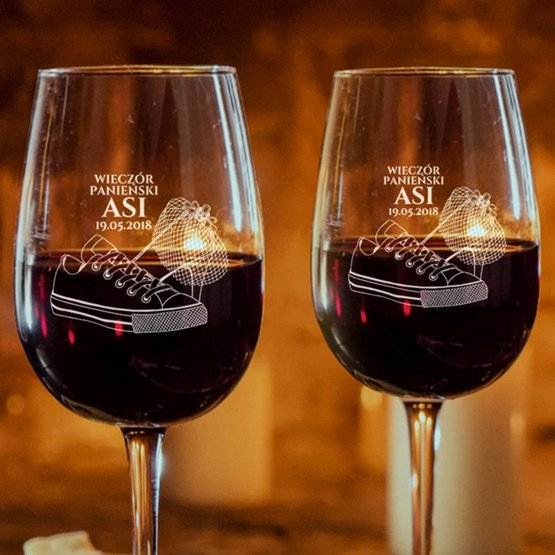 Kieliszki do wina - wieczór panieński