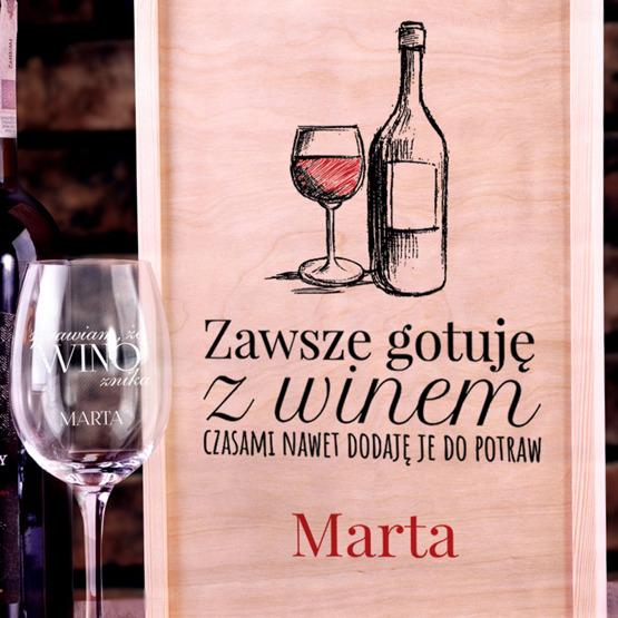 Zestaw pudełko z kieliszkiem i miejscem na wino z okazji urodzin